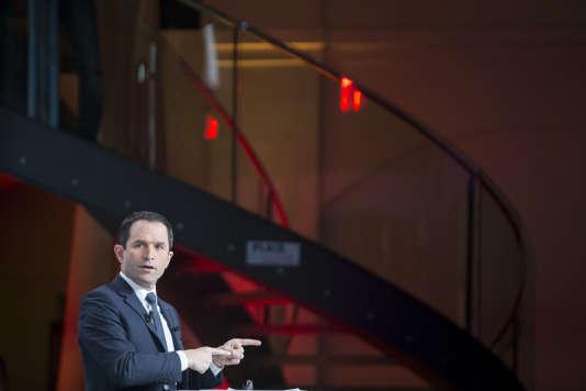 Benoit Hamon, candidat à la présidentielle 2017, lors du débat sur la santé organisé par la Mutualité française, au Palais Brongniart, à Paris, le21février.