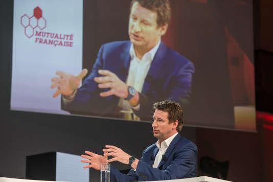 Yannick Jadot lors du débat sur la santé organisé par la Mutualité Française au Palais Brongniart à Paris le 21 février.
