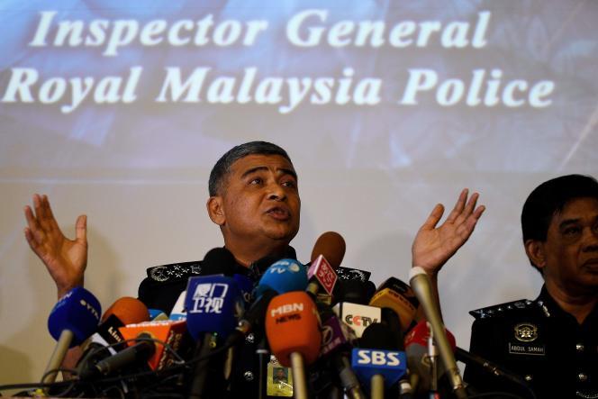 Le chef de la police malaisienne, Khalid Abu Bakar, lors d'une conférence de presse à Kuala Lumpur, le 22 février.