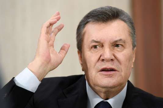 Le président déchu Viktor Ianoukovitch répond aux questions des journalistes lors d'une conférence de presse à Moscou, le 21février2017.
