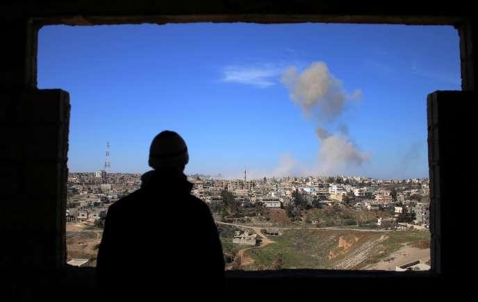 Combats entre des rebelles et les forces pro-Assad à Deraa, dans le sud de la Syrie, le 20 février.
