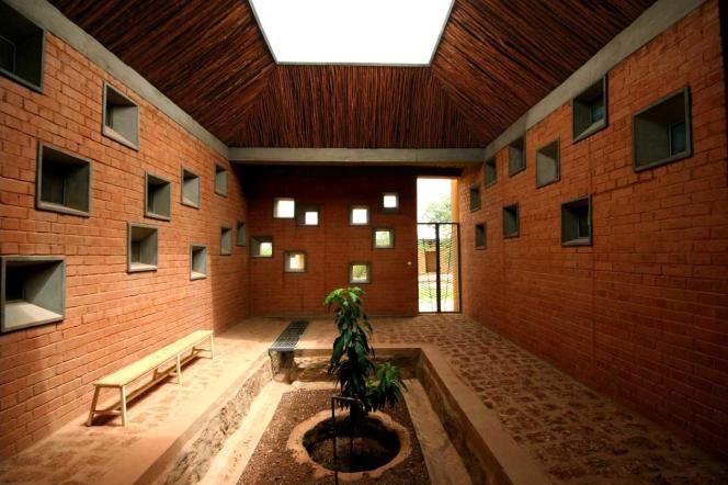 A l'intérieur du Centre de santé et de promotion sociale à Laongo au Burkina Faso.