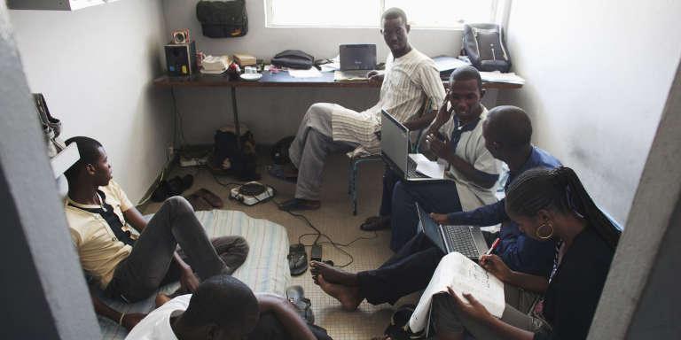 Des étudiants de l'université Cheikh-Anta-Diop, à Dakar, en avril 2013.
