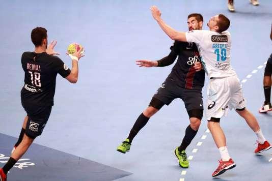 Les huitièmes de finale de la Coupe de France nationale masculine ont débuté mercredi22février avec l'affiche PSG-MHB.