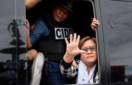 Leila De Lima, le 24 février au tribunal de Muntinlupa, en périphérie de Manille, où elle a été conduite après son arrestation.