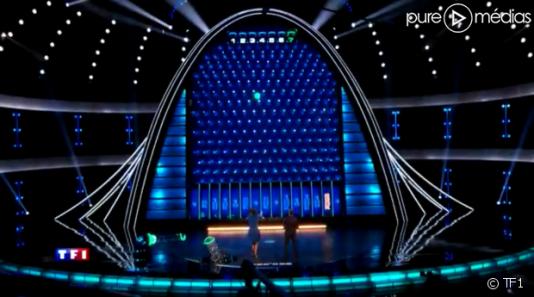 Dans « The Wall», des boules lumineuses dégringolent d'un mur d'une hauteur équivalente à quatre étages.