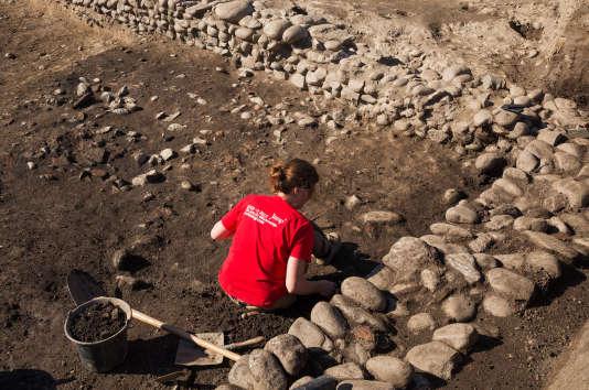 Des fouilles aux abords du mithraeum.