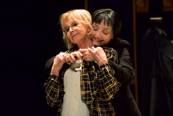 Bulle Ogier etMaria de Medeiros dans« Un amour impossible», mis en scène par Célie Pauthe, d'après Christine Angot, à l'Odéon-Théâtre de l'Europe.