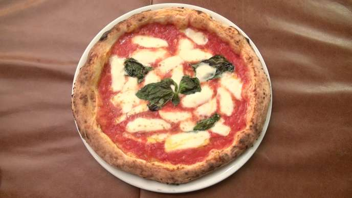 Une authentique pizza napolitaine à réaliser chez soi.