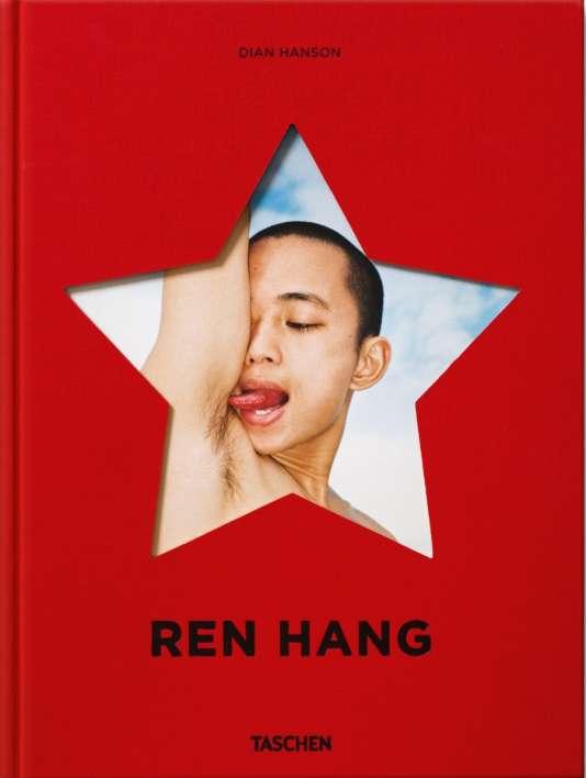 Monographie consacrée au photographe Ren Hang chez Taschen en janvier 2017.