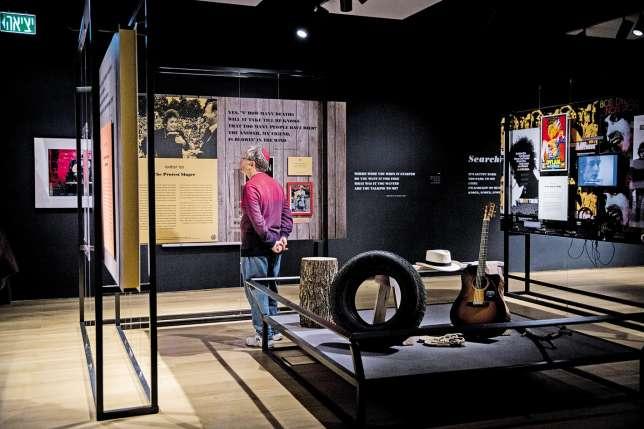 Le musée de la diaspora s'est agrandi en 2016 avec l'ouverture d'une aile qui accueille, jusqu'en novembre, une exposition sur Bob Dylan.