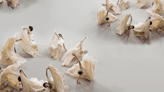 Le ballet chorégraphié par Carine Charaire et Olivier Casamayou pour le film d'un parfum Chloé.