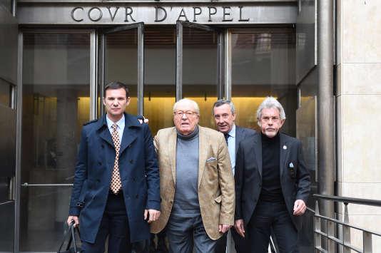 Jean-Marie Le Pen quittant le tribunal d'Aix-en-Provence, le 23 janvier 2017