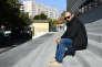 Mohamed Bouchenafa, père de Marwa, sur les marches de l'hopital de la Timone à Marseille le 17 novembre 2016.