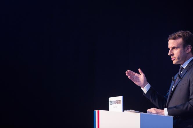 Emmanuel Macron (En marche !) lors de la conférence de presse au cours de laquelle il a présenté son programme, à Paris, le 2 mars.