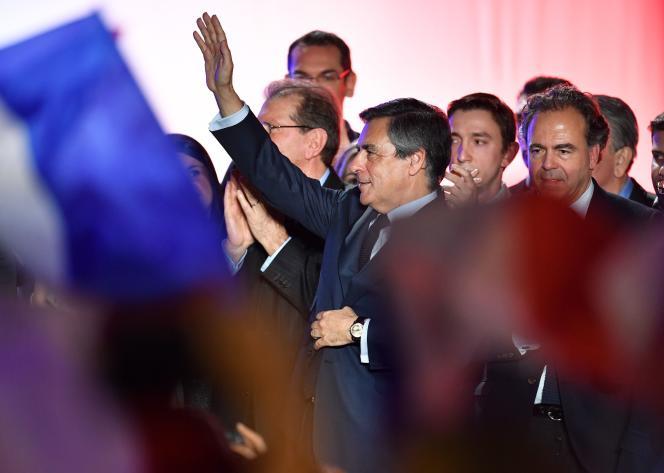 Une quinzaine de maires de droite et du centre ont par ailleurs publié jeudi une tribune appelant François Fillon à se retirer de la course à la présidentielle.