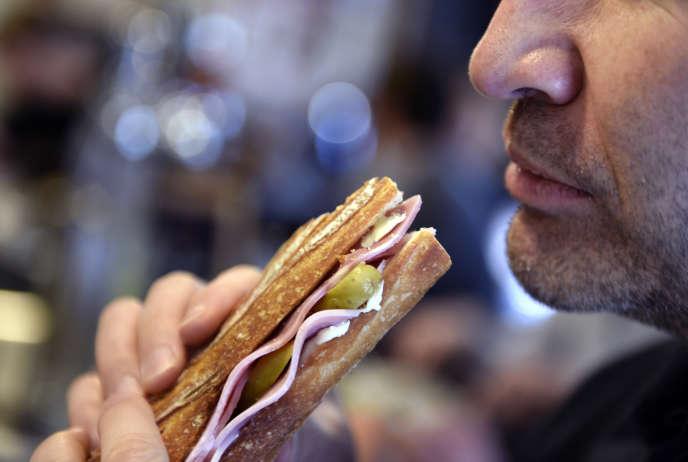 Avec 1,2 milliard d'unités vendues en 2016, le jambon-beurre est en baisse de 2,9 % par rapport à l'année 2015