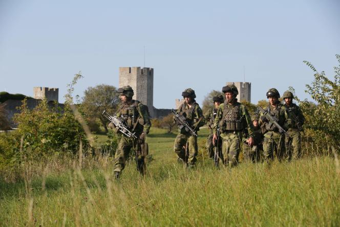 Des soldats suédois, en septembre 2016, sur l'île deGotland.