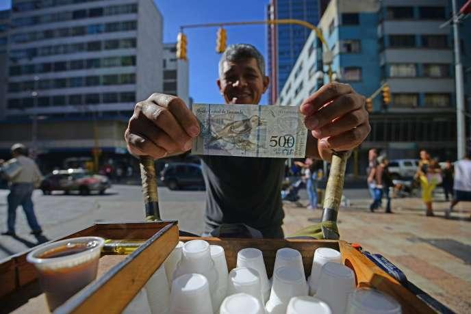 Un vendeur de café à Caracas, le 16 janvier.