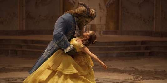 Emma Watson et Dan Stevens dans l'adaptation Disney de «La Belle et la Bête».
