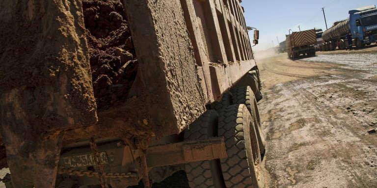 Un camion chargé de minerais, dans une mine du Katanga, au sud-est de la République démocratique du Congo.