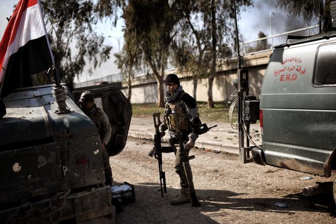 Des soldats des forces irakiennes à Mossoul, en Irak, le 5 mars 2017.