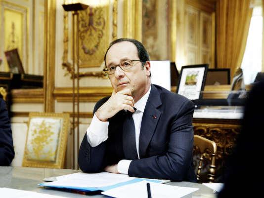 François Hollande à son bureau, à l'Elysée.