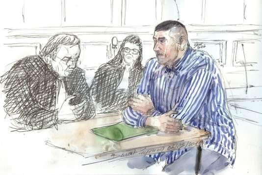 Le 6 mars, croquis de la comparution du policier Damien Saboundjian (à droite) devantla cour d'assises de Paris.