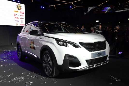 La voiture de l'année 2017, la 3008 Peugeot, primée au salon de Genève, le 6 mars.