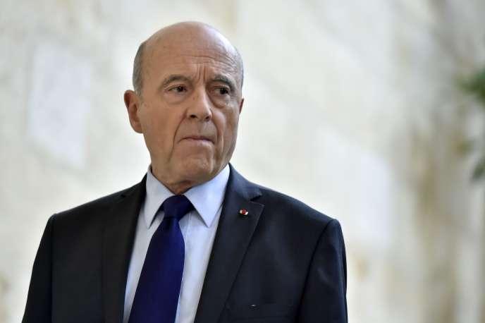 Le maire de Bordeaux a annoncé sa mise en retrait du parti Les Républicains et son départ de la présidence LR de Gironde, mettant en lumière la fracture autour de la ligne eurosceptique de Laurent Wauquiez.