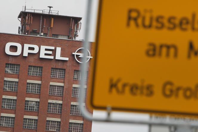 Le siège du constructeur allemand Opel à Rüsselsheim en Allemagne, le 6 mars 2017, jour de l'officialisation de la cession à PSA.