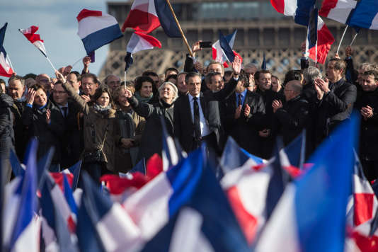 François Fillon et sa femme Penelope au Trocadéro à Paris le 5 mars.