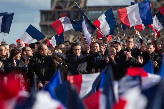 François Fillon lors du rassemblement sur la place du Trocadéro à Paris le 5 mars.
