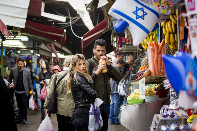 Carmel Market (Shuk Ha'Carmel), plus grand marché extérieur de Tel-Aviv.