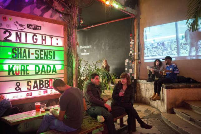 Kuli Alma, bar-club underground, lieu de RDV de la jeunesse arty, hipster et brancheée de Tel-Aviv.