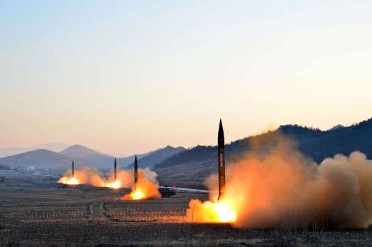 Donald Trump considère que la Chine est en mesure d'empêcher la Corée du Nord de développer l'arme nucléaire mais que les Etats-Unis peuvent« totalement» s'en occuper.