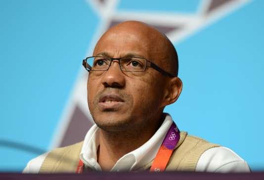 L'ancien athlète namibien Frank Fredericks a annoncé le 7 mars qu'il démissionnait de la présidence de la commission d'évaluation des Jeux olympiques 2024.