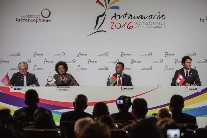 Conférence de presse clôturant le XVIe sommet de la francophonie, à Madagascar, le 27 novembre 2016.