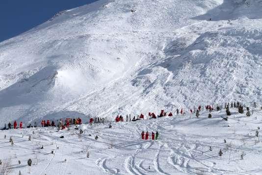 La station de Tignes avait été endeuillée le 13 février par une avalanche survenue hors piste, à proximité des remontées mécaniques, qui avait fait quatre morts, trois vacanciers et leur guide.