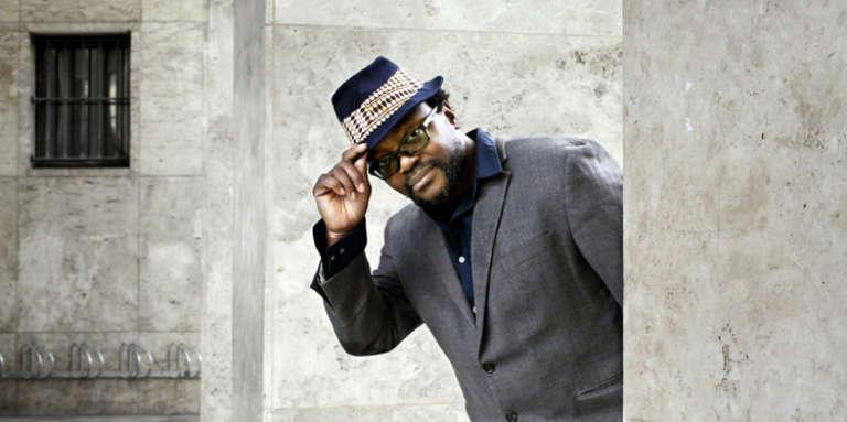 Le cinéaste camerounais Jean-Pierre Bekolo à Paris.
