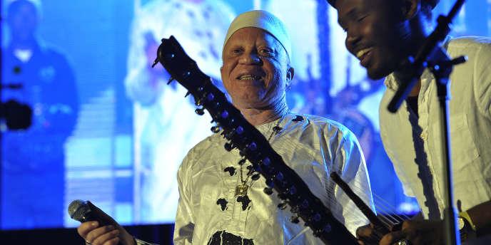 Le chanteur compositeur malien Salif Keïta au Safaricom Jazz Festival de Nairobi, en août 2015.
