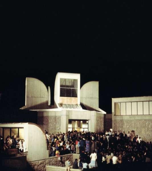 Le Musée d'art contemporain de Téhéran, inauguré en grande pompe, en octobre 1977.
