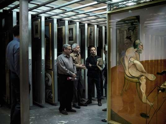 En 1979, les tableaux de la collection constituée par l'impératrice Farah Pahlavi ont été mis à l'abri dans les sous-sols par le personnel du musée, comme cette toile de Francis Bacon, afin qu'ils ne soient pas vandalisés par les révolutionnaires.