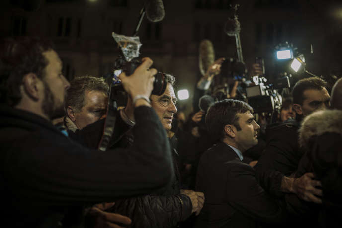François Fillon, à Paris, au soir du premier tour de la primaire de la droite et du centre, le 20 novembre 2016.