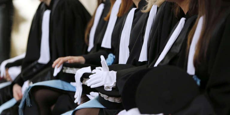 Jeunes avocats à l'Ecole nationale de la magistrature, à Bordeaux, le 5 février 2016.