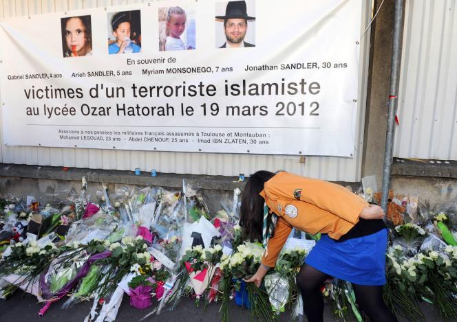 Hommage aux victimes de Mohammed Merah le 25 mars 2012.