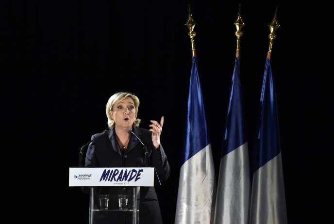 Marine Le Pen, en meeting à Mirande, dans le Gers, le 9 mars.