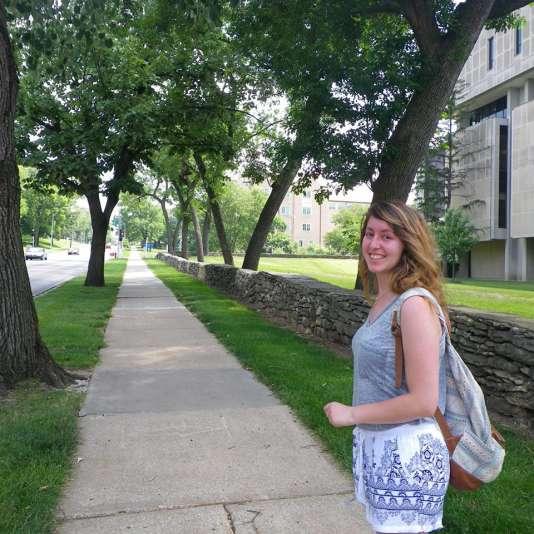 Mélanie a étudié pendant un an à l'université du Missouri-Kansas City.