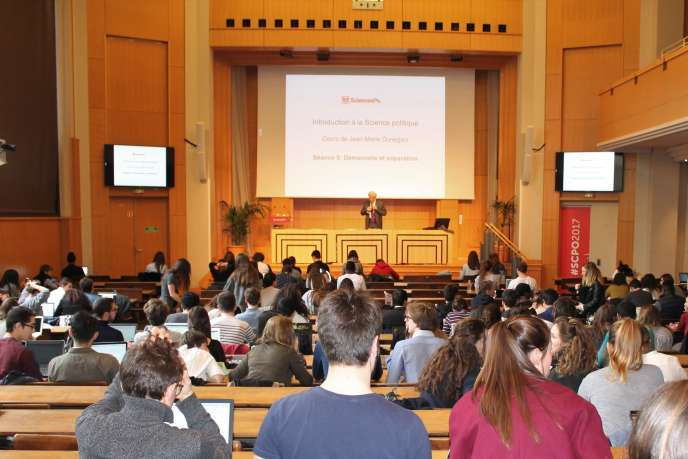 Amphithéâtre à Sciences Po Paris, en mars 2017.