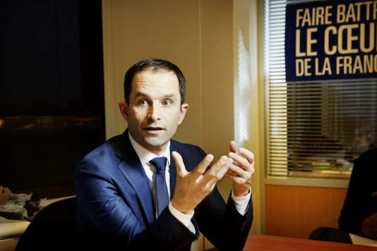 Benoît Hamon à son QG de campagne à Paris.